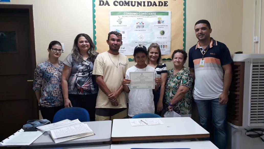 Resultado de imagem para Jovem em situação de rua conclui o Ensino Médio com apoio do Centro Pop e Ceja Cecy Cialdini